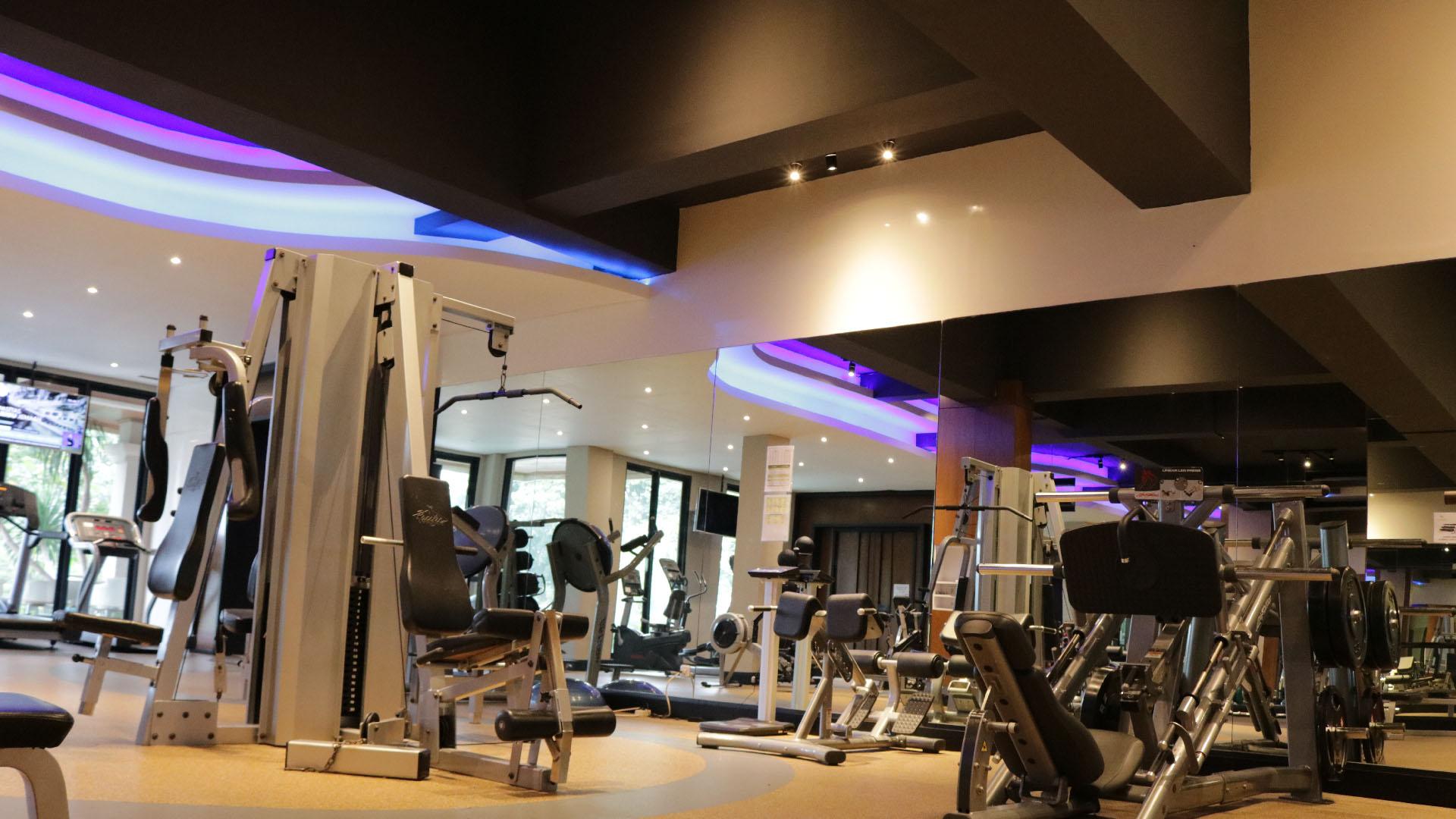 Gym & Pool - Slider-3