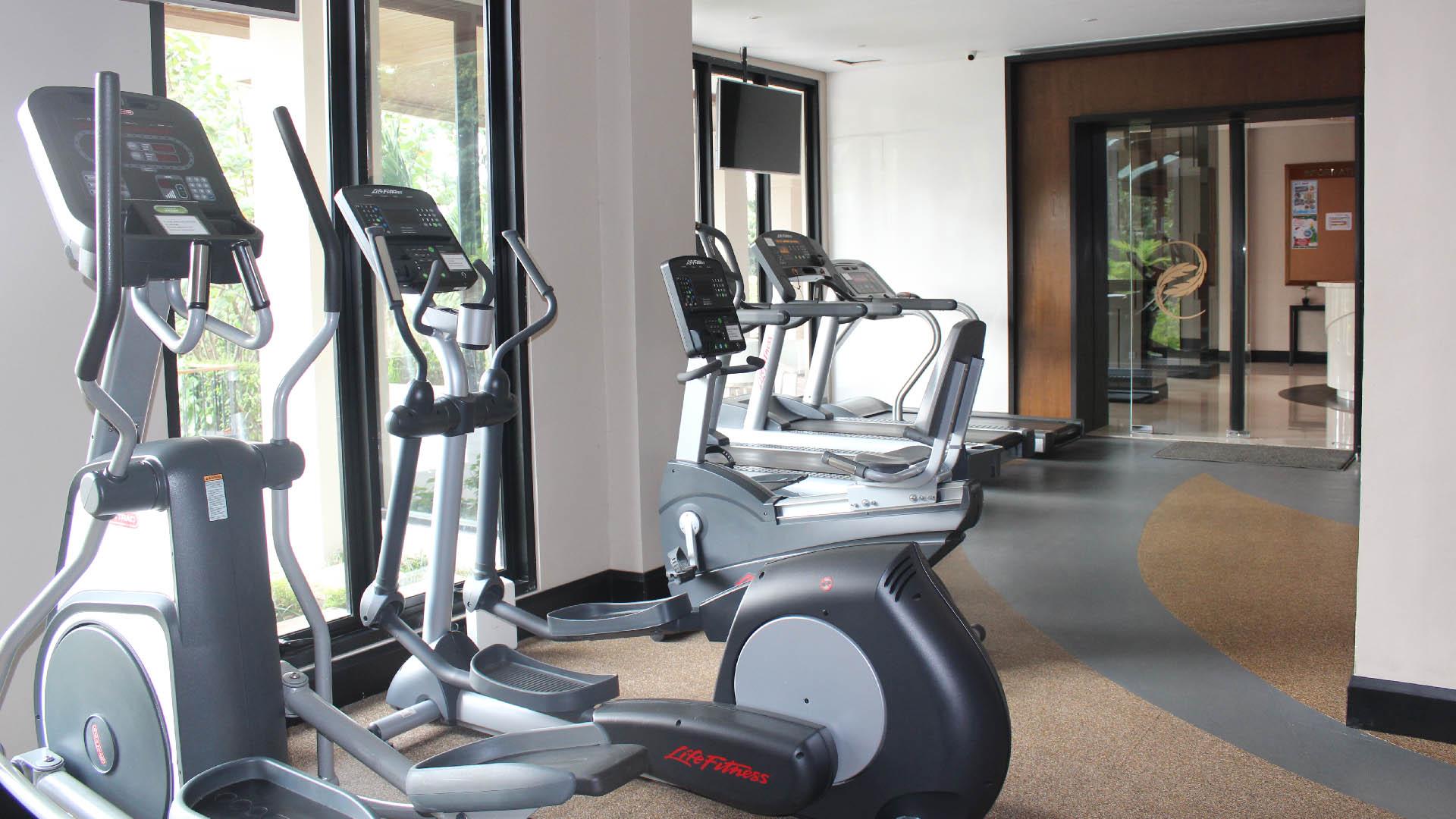 Gym & Pool - Slider-4