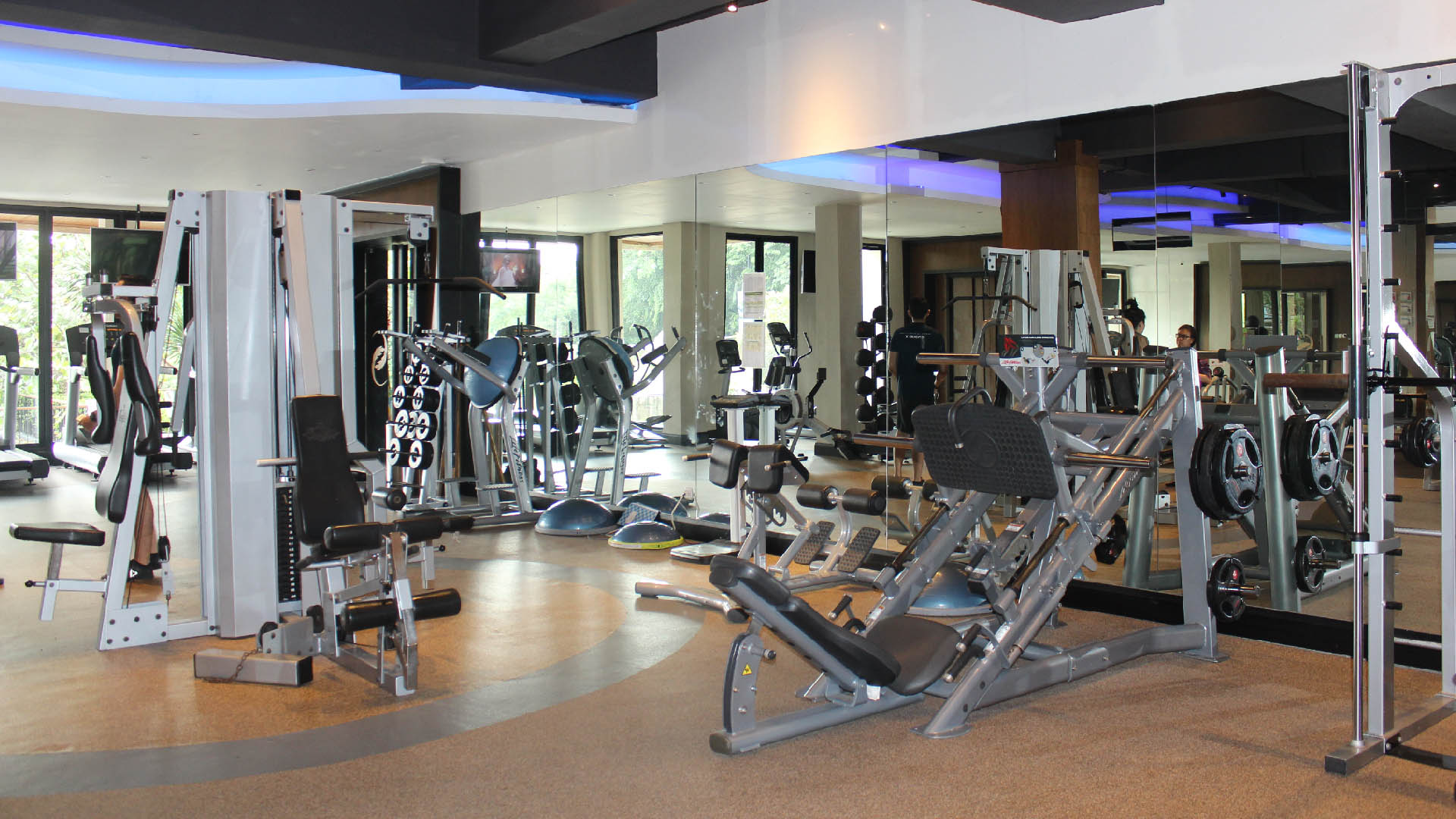 Gym & Pool - Slider-5
